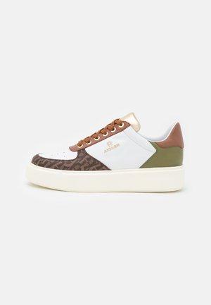 SALLY  - Tenisky - white/brown/green