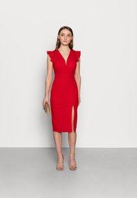WAL G PETITE - Pouzdrové šaty - red - 1