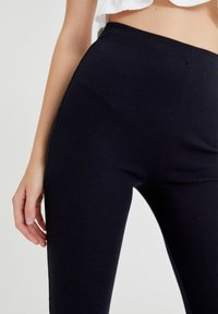 PULL&BEAR - Pantalon classique - black - 4