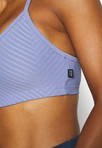 Cotton On Body - WORKOUT YOGA CROP - Light support sports bra - periwinkle - 4