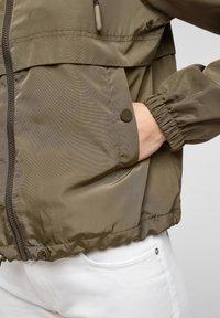 Q/S designed by - Summer jacket - olive - 4