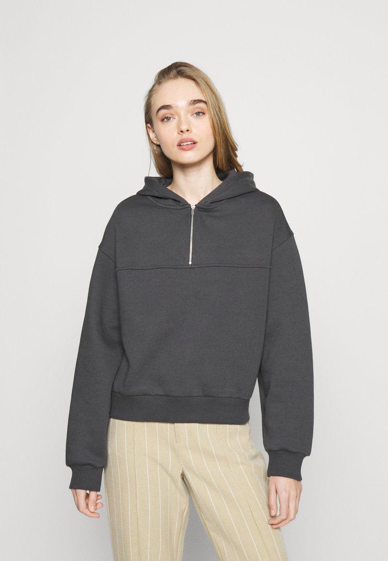 NU-IN - ELASTICATED HEM HALF ZIP HOODIE - Sweatshirt - dark grey