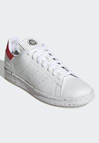 adidas Originals - STAN SMITH - Trainers - ftwr white ftwr white red - 2