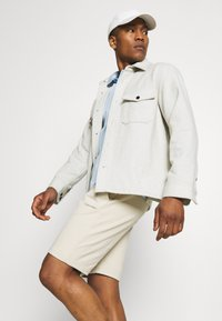 Calvin Klein - SMALL LOGO - Short - beige - 3