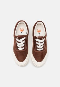 Good News - OPAL UNISEX - Trainers - brown - 3