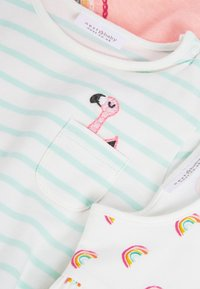 Next - 3 PACK FLAMINGO TOPS - Print T-shirt - off-white - 5