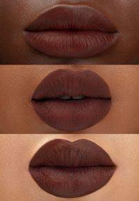Maréna Beauté - ROUGE TAROU MATTE - Lipstick - brownie - 1