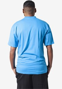 Urban Classics - Basic T-shirt - turquoise - 1