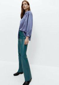 Uterqüe - Leather trousers - green - 4