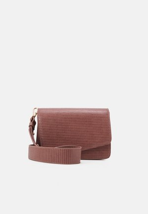 PCDILISH STRIPED CROSS BODY  - Olkalaukku - red clay/gold