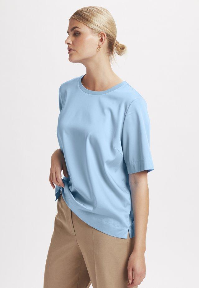 Blouse - placid blue