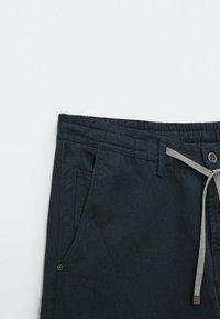Massimo Dutti - IM VINTAGELOOK  - Trousers - dark blue - 2