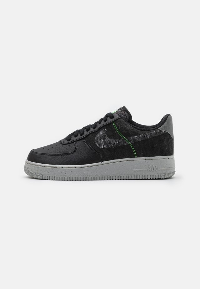 AIR FORCE 1 '07 LV8 - Sneaker low - black/clear/electric green/light bone/smoke grey