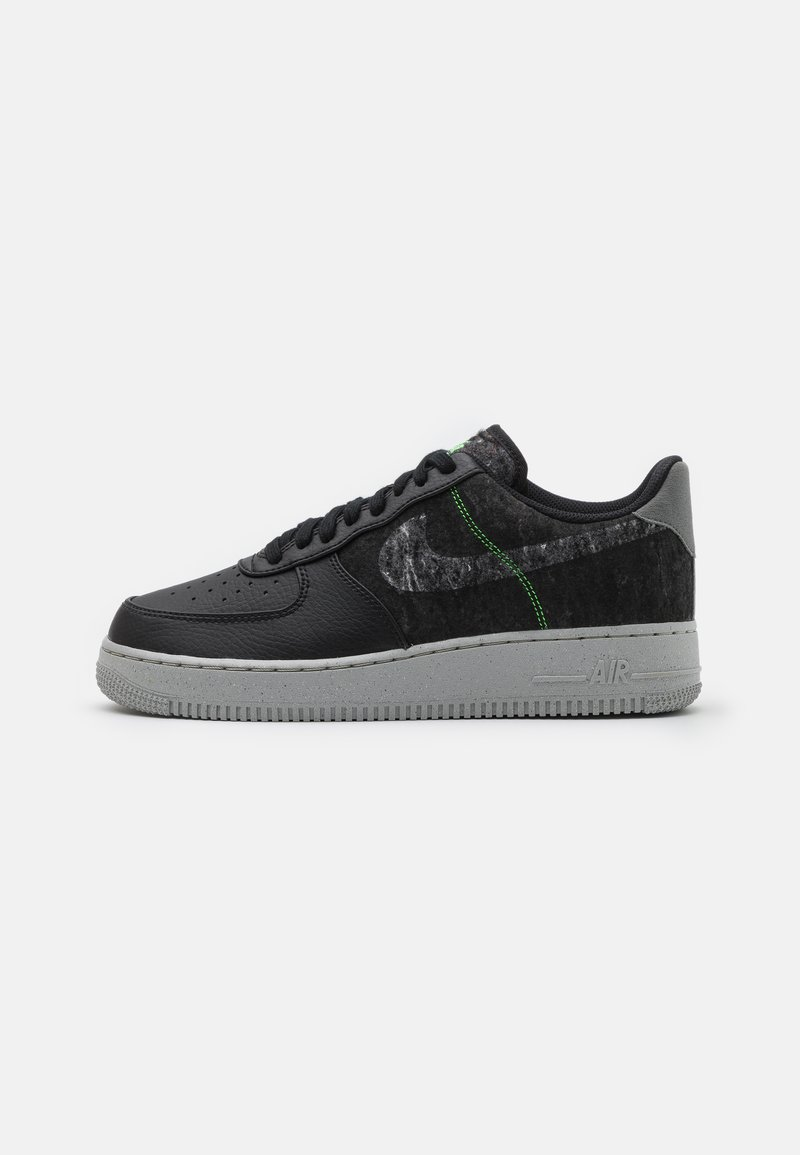 Nike Sportswear - AIR FORCE 1 '07 LV8 - Trainers - black/clear/electric green/light bone/smoke grey