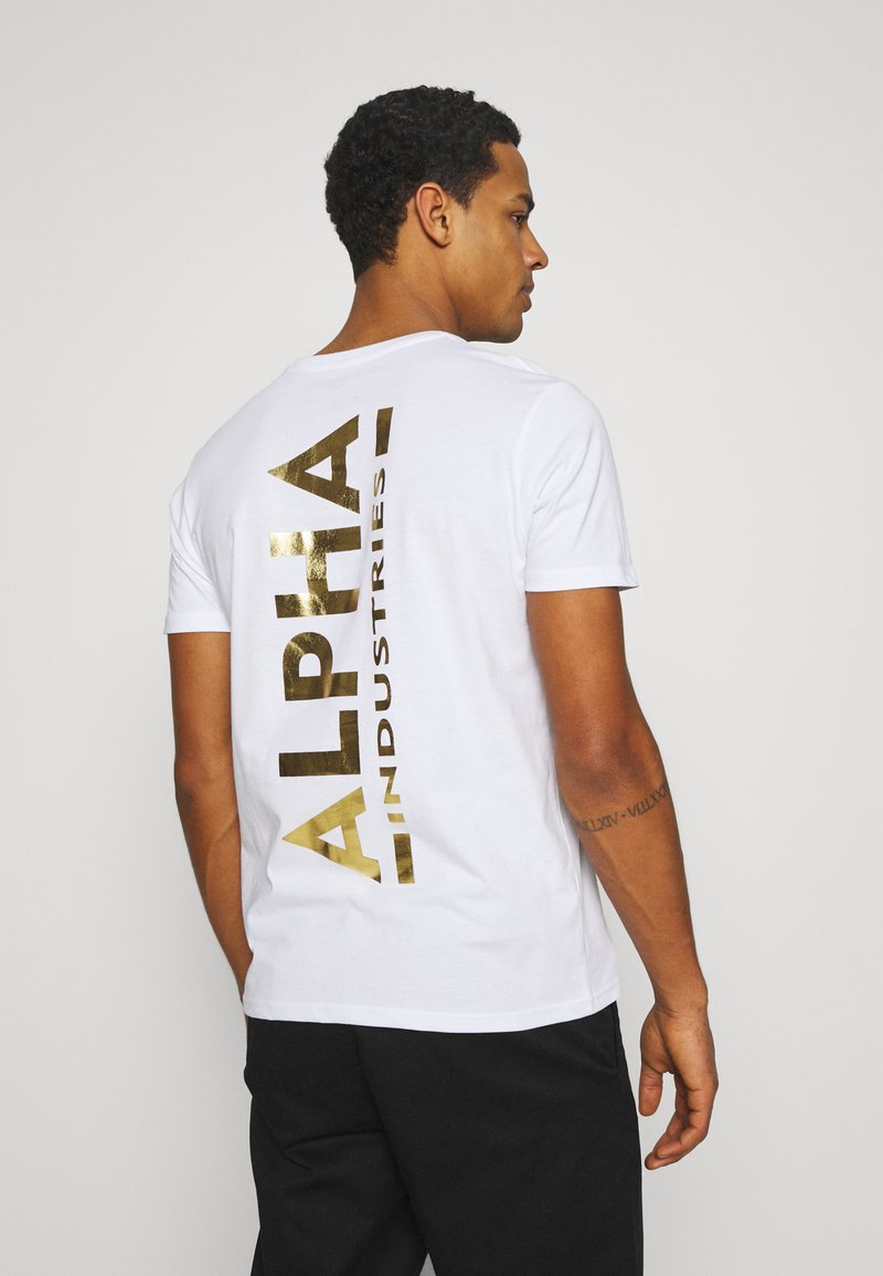 Alpha Industries - FOIL EXCLUSIVE - Print T-shirt - white/yellow gold