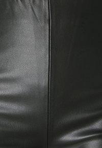 Soaked in Luxury - SLKAYLEE  PANTS - Pantalon classique - black - 2
