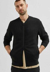 Selected Homme - Zip-up sweatshirt - black - 3