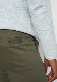 INDICODE JEANS - BRENNAN - Shorts - army - 3