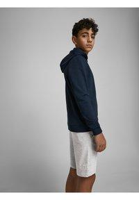 Jack & Jones Junior - Shorts - light grey melange - 4