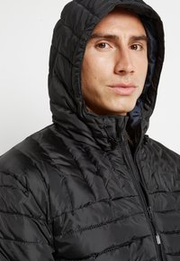 Only & Sons - ONSPAUL QUILTED HOOD JACKET - Light jacket - black - 5