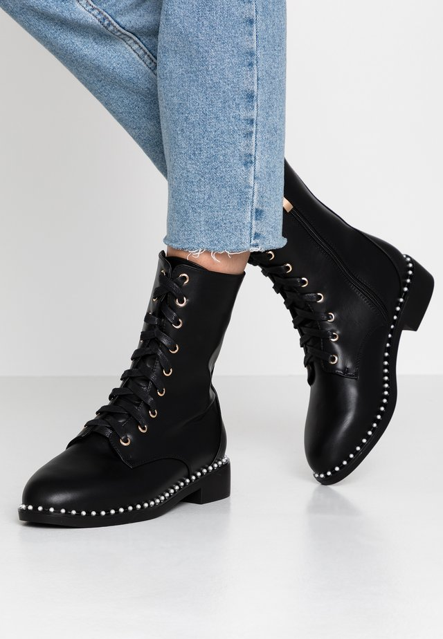 WIDE FIT LACIE - Bottines à lacets - black