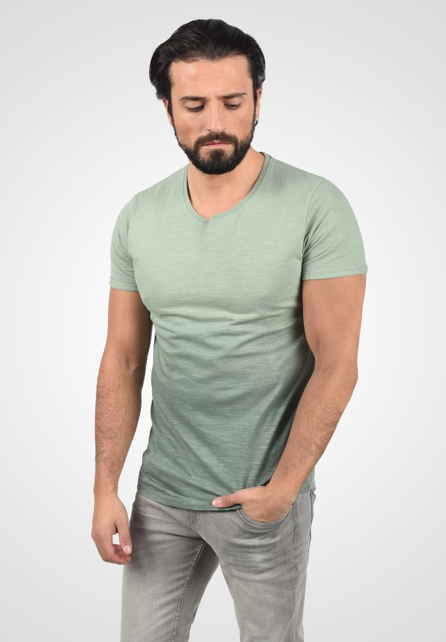 Basic T-shirt - duck green