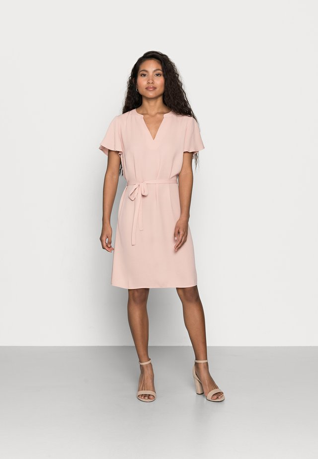 VIJAHULA DRESS PETITE - Shirt dress - misty rose
