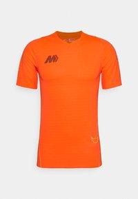 Nike Performance - DRY - T-shirt print - total orange - 4