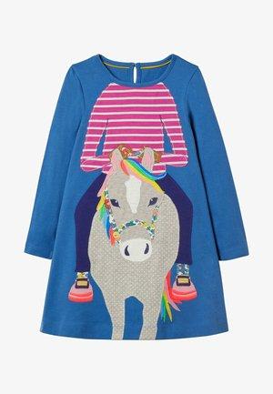 MIT GROSSER APPLIKATION - Jersey dress - elisabethanisches blau, pferd