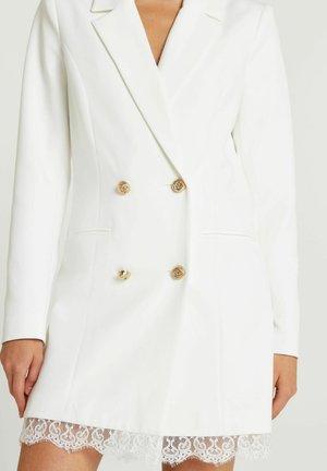 Pitkä takki - white