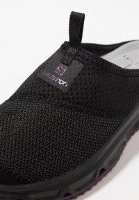 Salomon - RX SLIDE 4.0  - Walking sandals - black/potent purple - 5