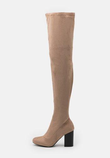Kozačky na vysokém podpatku - beige