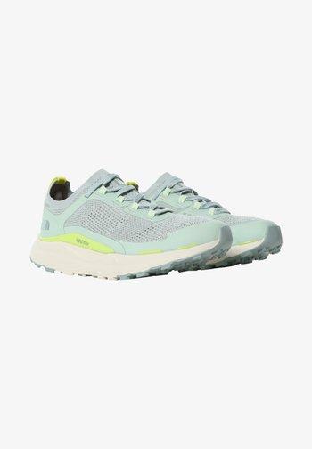 ESCAPE - Zapatillas de senderismo - green mist wrought iron