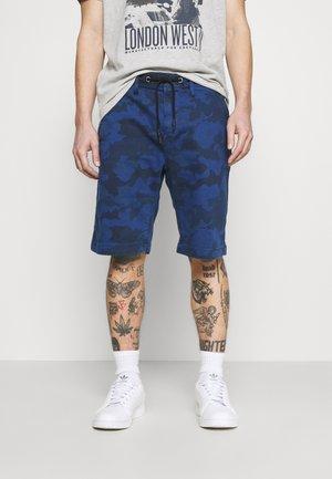 OWEN CAMO - Shorts - admiral
