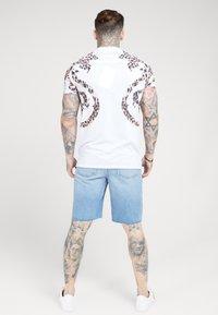 SIKSILK - BOXY PRINTED TEE - T-shirt print - white - 2