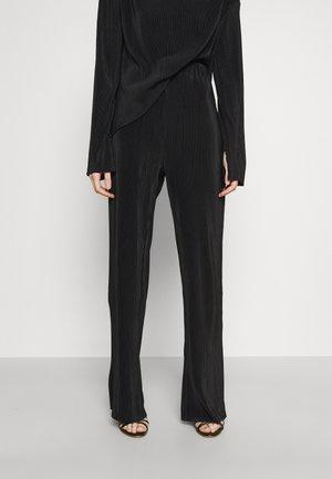 JULIEN MICRO PLEAT TROUSER - Trousers - black