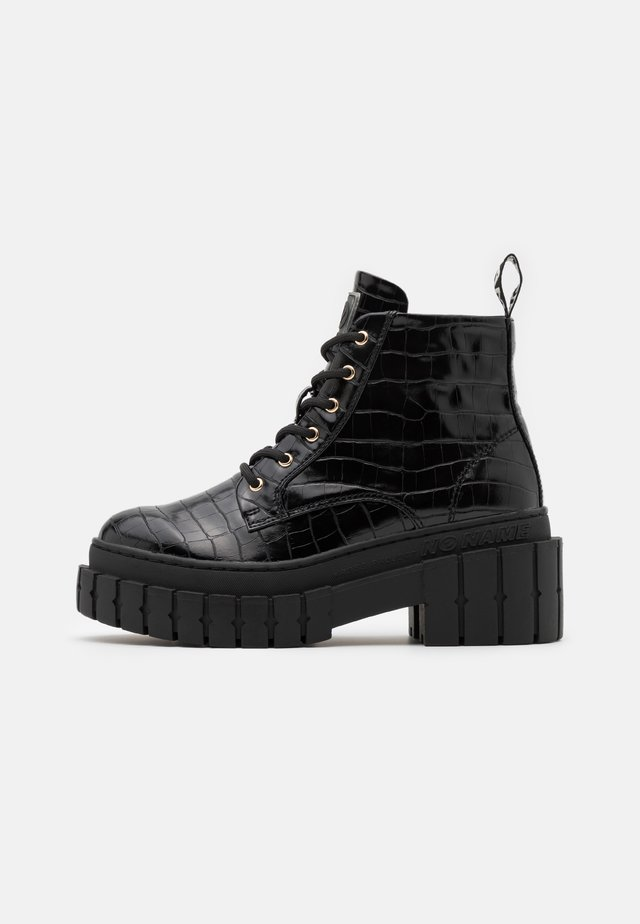 KROSS LOW BOOTS - Platform ankle boots - black
