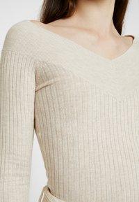 Even&Odd - BARDOT NECKLINE - Stickad tröja - beige melange - 5