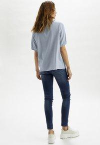 Cream - CRVENTA - Button-down blouse - cashmere blue - 2