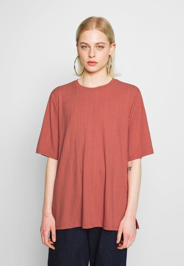 GILL - Basic T-shirt - red medium dusty