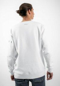PLUSVIERNEUN - STUTTGART - Sweatshirt - white - 2