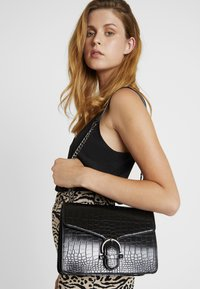 Even&Odd - Across body bag - black - 1
