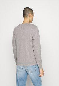 Jack & Jones - JORBASIC CREW NECK 2 PACK - Sweatshirt - light grey melange - 2