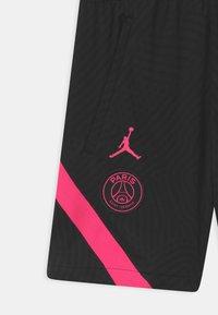 Nike Performance - PARIS ST GERMAIN UNISEX - Urheilushortsit - black/hyper pink - 2
