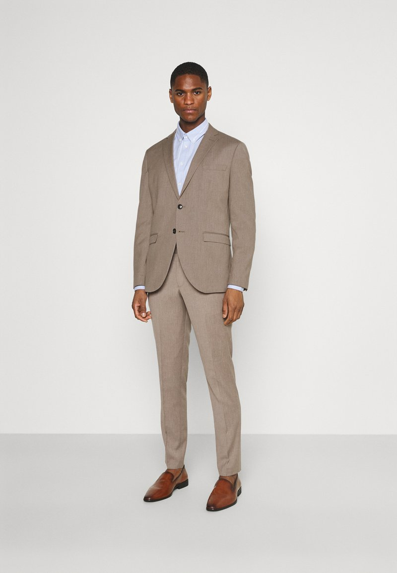 Selected Homme - SLHSLIM MYLOBILL STRUCTURE SUITE - Traje - sand