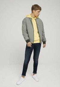 TOM TAILOR DENIM - Hoodie - cream yellow melange - 1