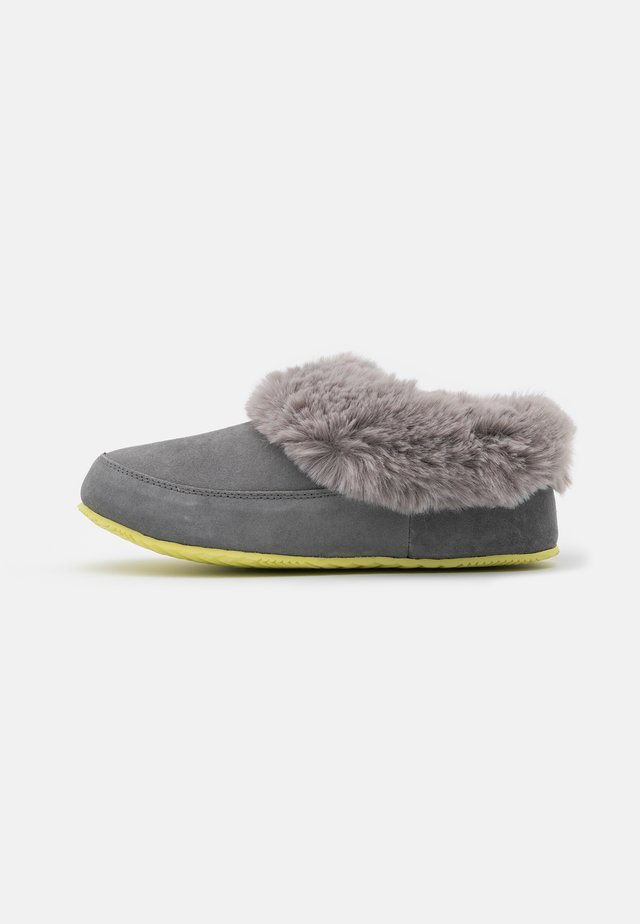 GO COFFEE RUN - Pantuflas - grey