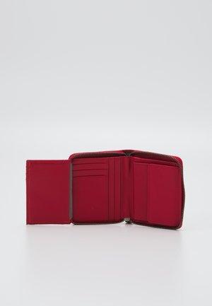 CONNY - Wallet - red pepper