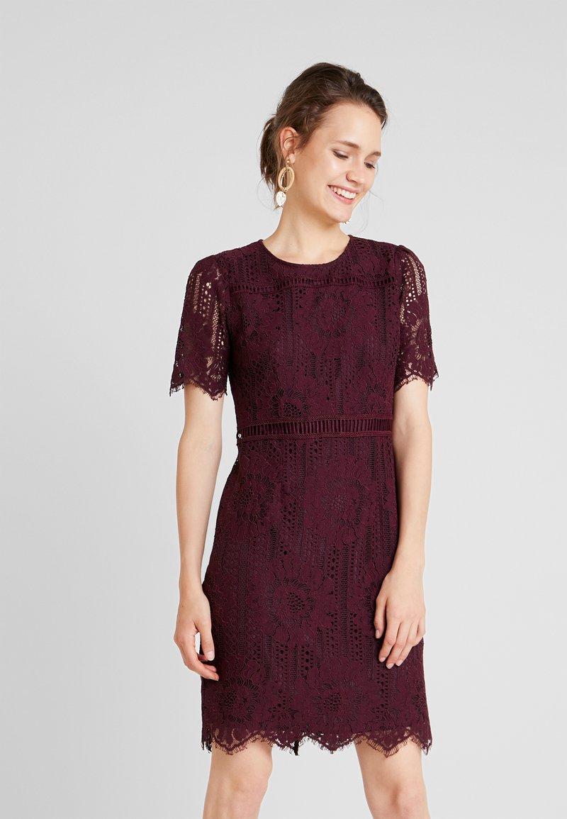 Anna Field - Koktejlové šaty/ šaty na párty - winetasting