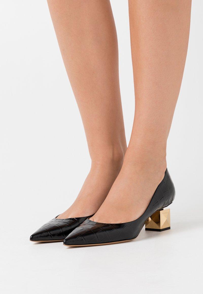 Mulberry - STAMPA COCCO - Classic heels - nero/oro